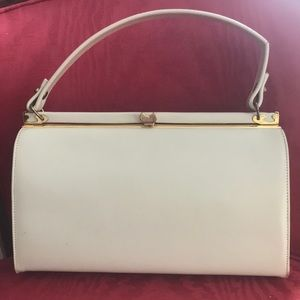 Vintage 60's top handle summer purse in Ivory.